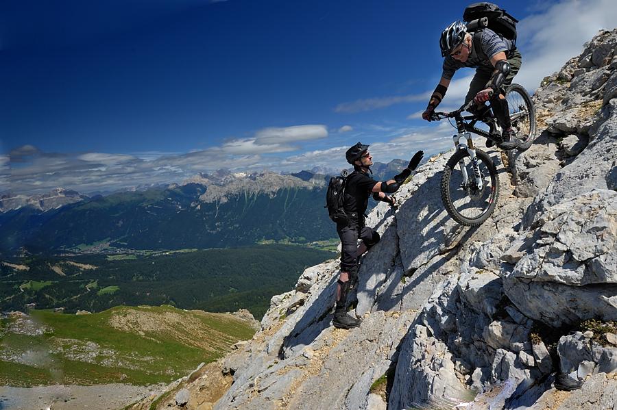 Werner im steilen Fels
